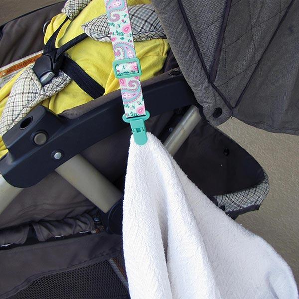 Clip-itz-5-Stroller-secure-blanket